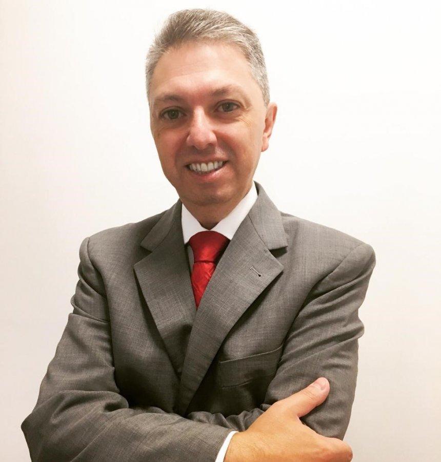 Vanderlei é comissário de avarias da L. Perna de Curitiba.