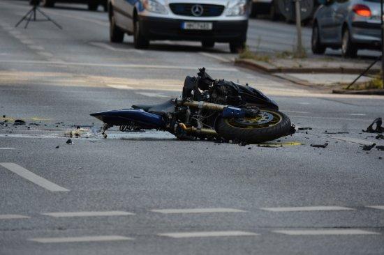 Acidentes com motos são rotina nos grandes centros urbanos.
